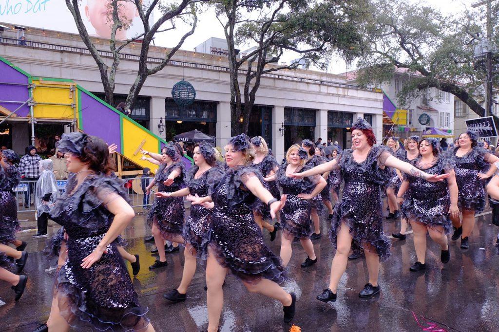 NOLA chorus girls mardi gras solitary wanderer